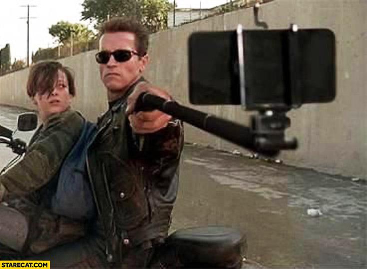 arnold-schwarzenegger-selfie-stick